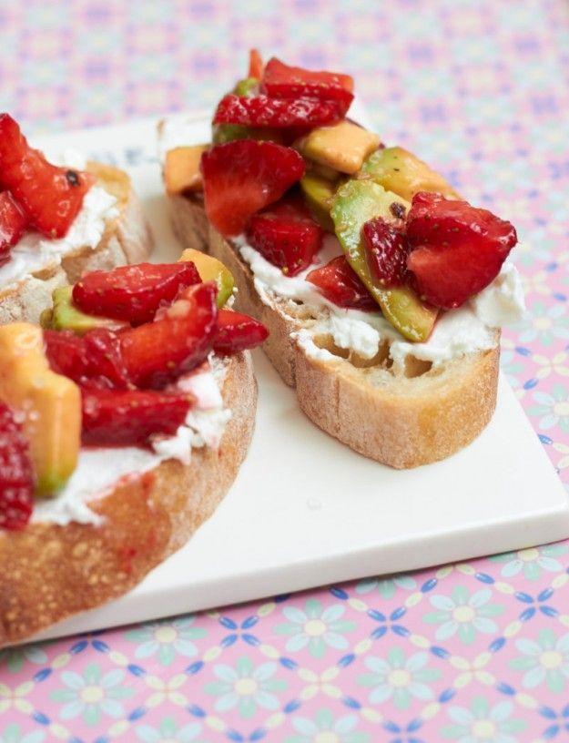 es gibt ein paar Sonntagsschnittchen… Erdbeer – Avocado – Schnittchen | tastesheriff