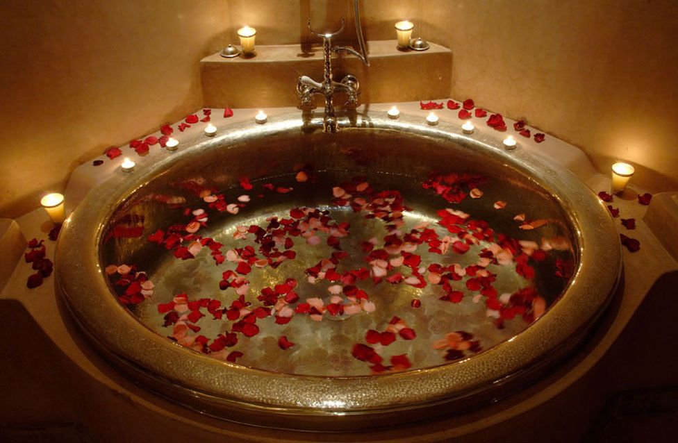 romantic bathtub ideas - 976×638
