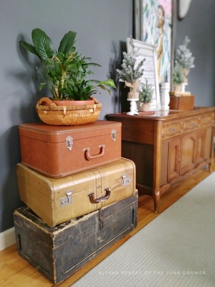 Stack Old Suitcases And Yrunks For Simple Vintage Decor End