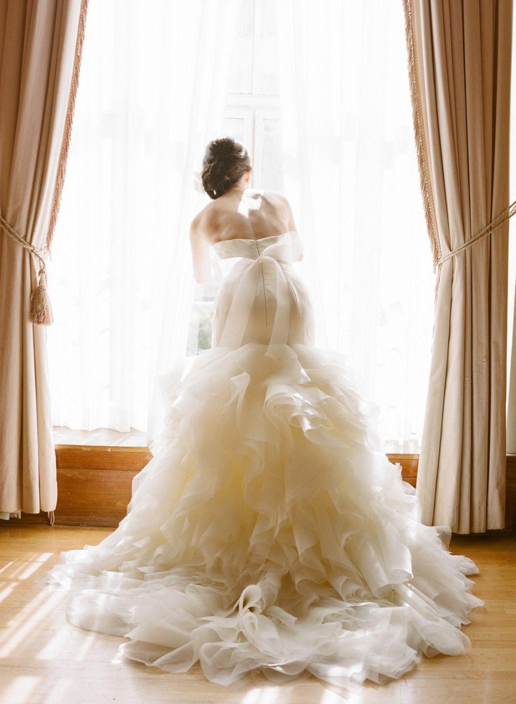 1. Zeigt einen gerüschten Rock mit maximalen Effekt | Hochzeitsfotos ...
