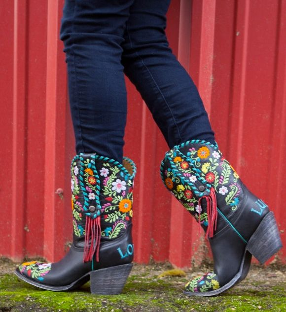 10 Funky Boots Made to Turn Heads