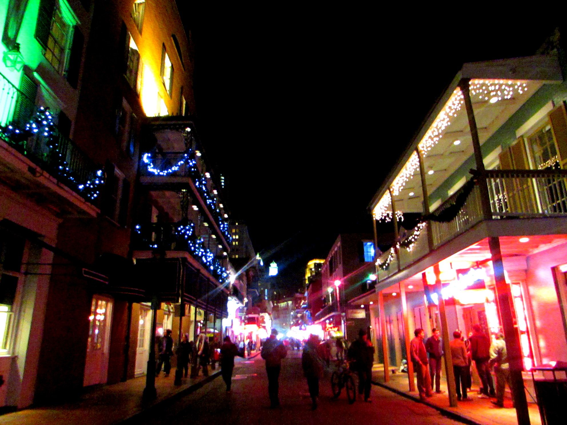 Bourbon Street In Nola Celebrating New Years Eve In New Orleans Party City