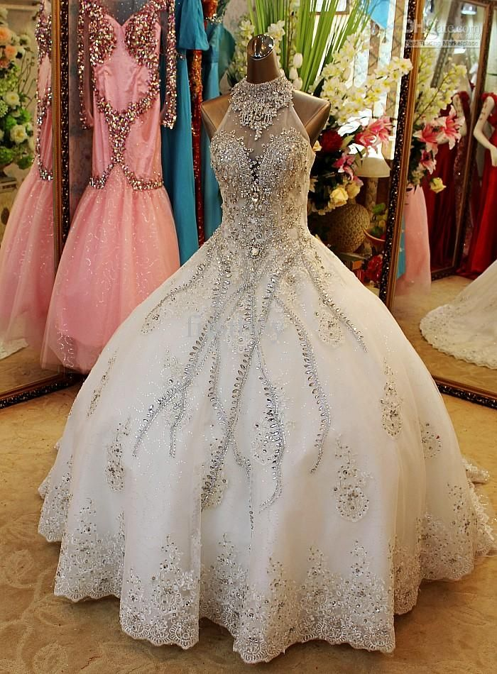 New Arrival Bling Crystals Luxury V Neck Handmade Flower Cathedral Train Wedding Dresses