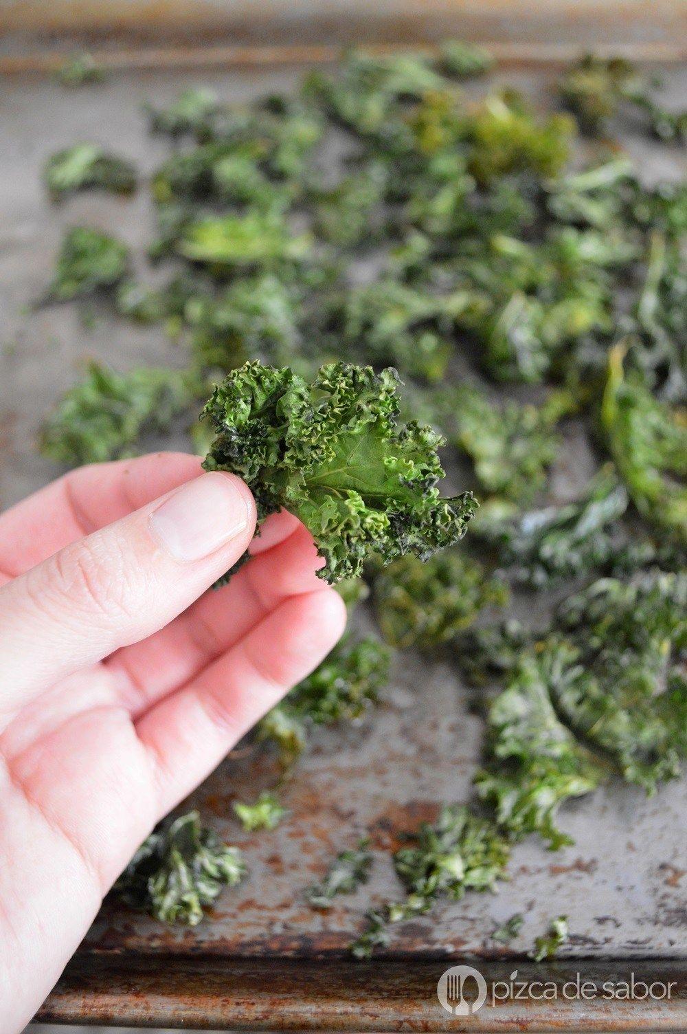 Cómo Hacer Chips De Kale O Col Berza Fácil Y Paso A Paso Receta Chips De Kale Como Hacer Chips Kale Recetas