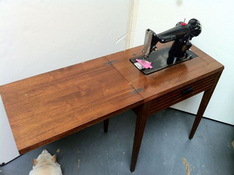 Hidden Sewing Machine Table, How The Table Works