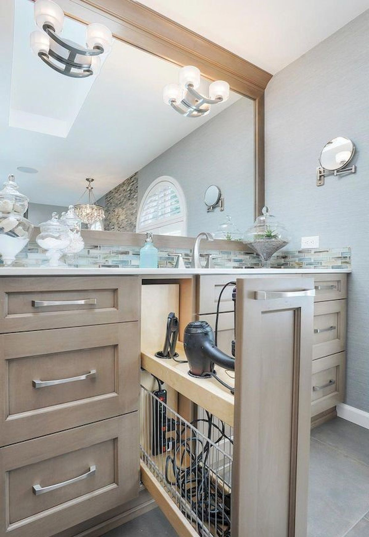 33 Fantastic Bathroom Storage Decor Ideas And Remodel #dreambathrooms