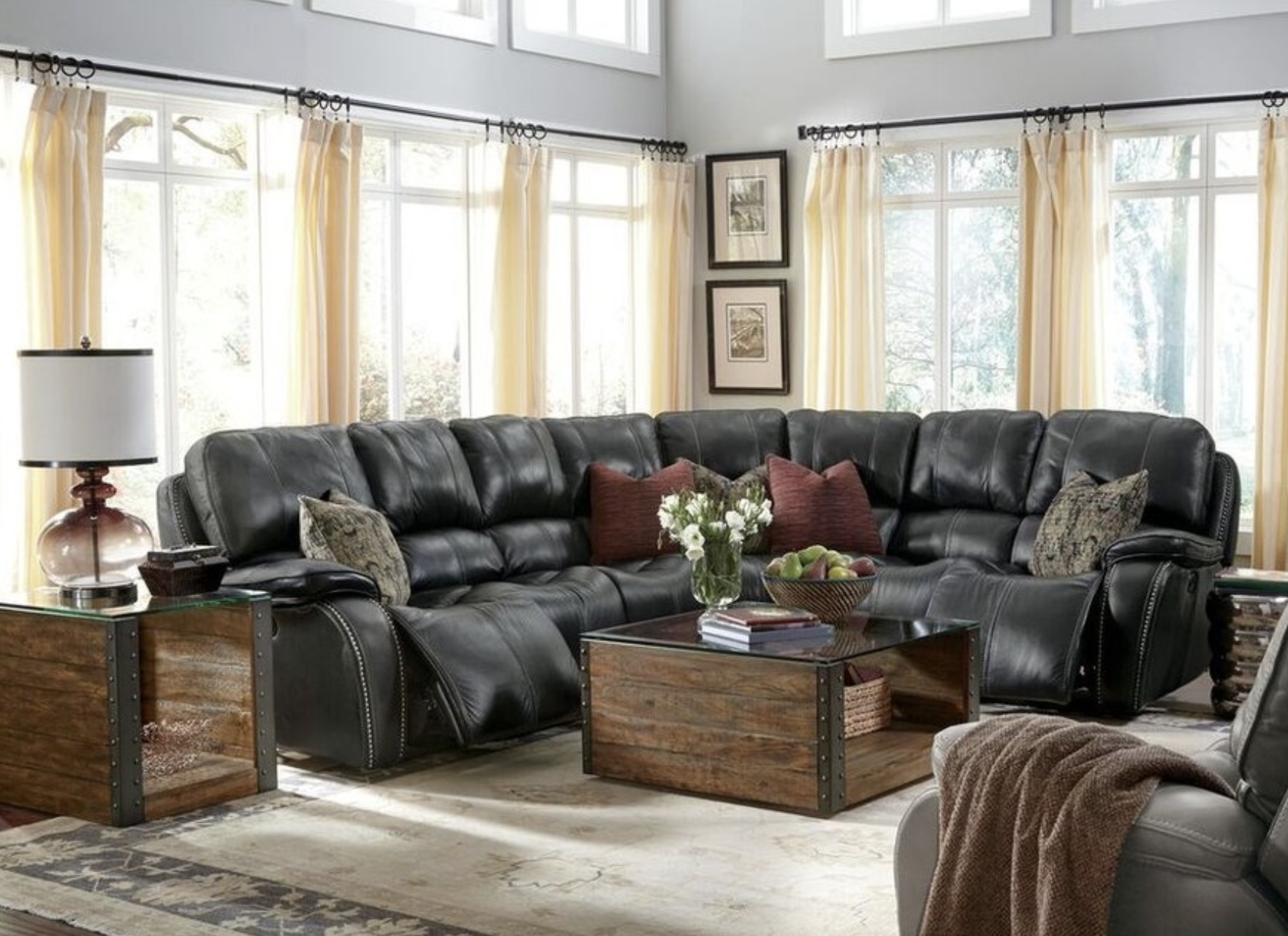 Large Windows And This Sleek Black Leather Sofa Set From Flexsteel Combine Perfectly To Give