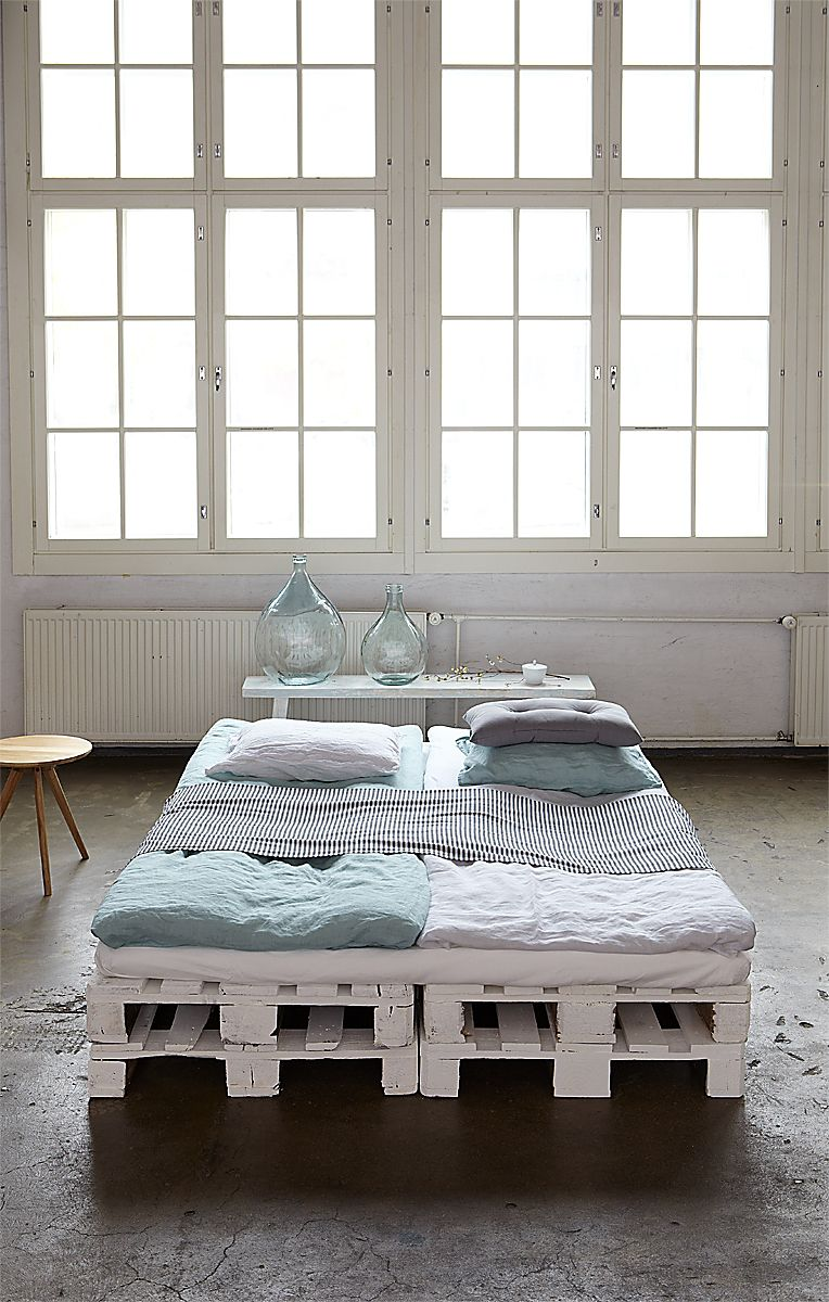 11 ways in which you can style up your bedroom for free - Spot Pour Miroir Salle De Bain2849
