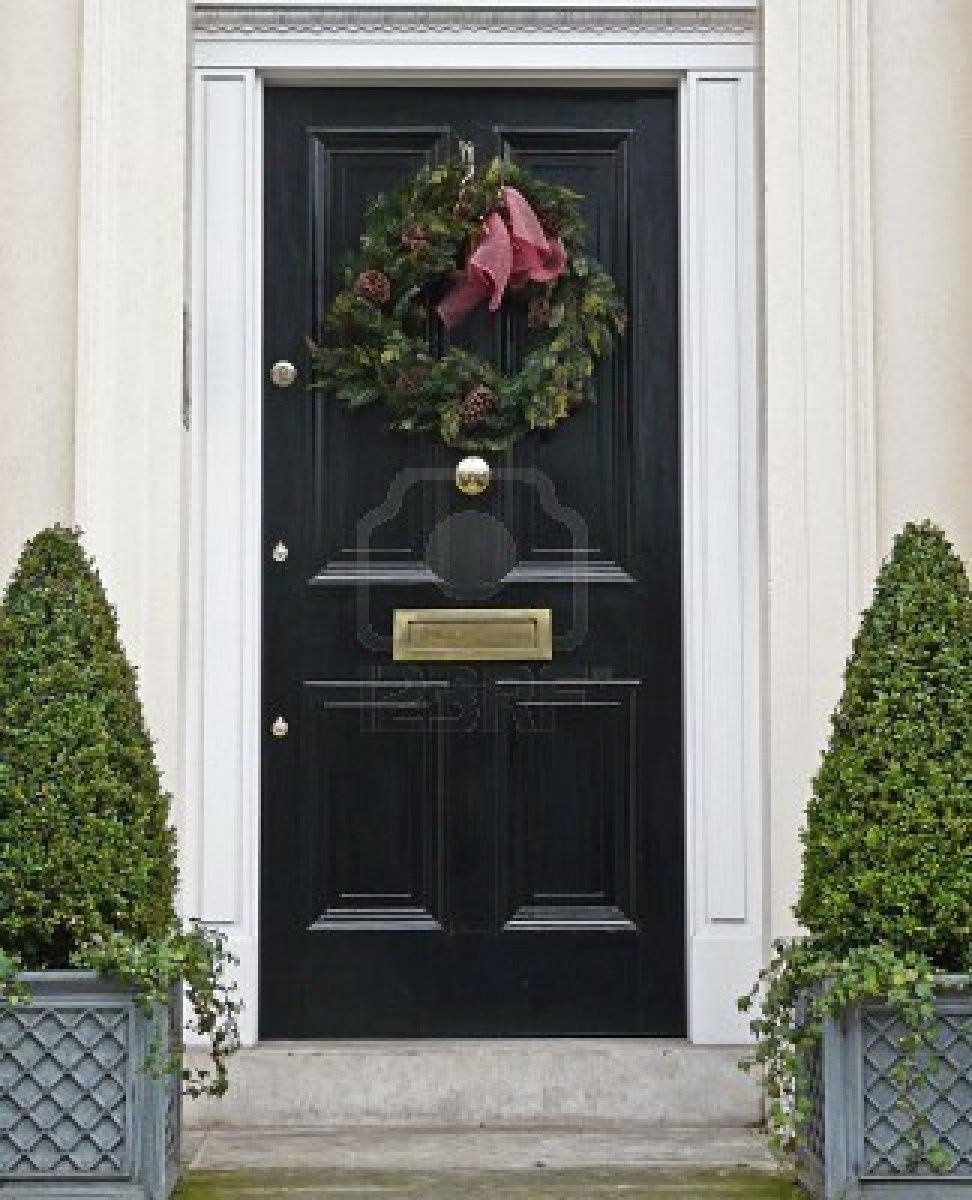 Shiny Black Door With Christmas Wreath Black Doors Black Front Doors Front Door