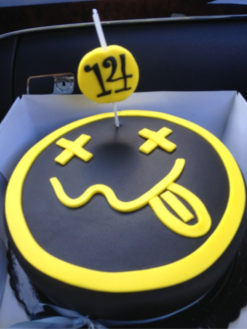 Nirvana birthday cake | Food that ROCKS! | Pinterest | Birthday ...