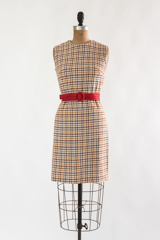 Vintage 1960s Shift Dress Mod Sleeveless Houndstooth Dress Etsy 1960s Shift Dress Houndstooth Dress Mod Dress [ 3000 x 2000 Pixel ]