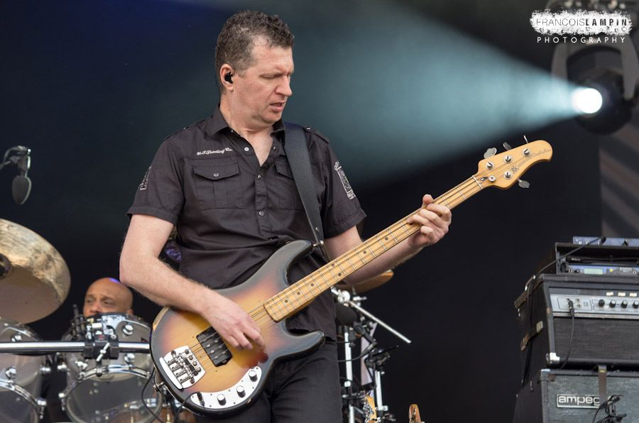 Ged Grimes of Simple Minds - Main Square Festival - Arras - 29-06-2012