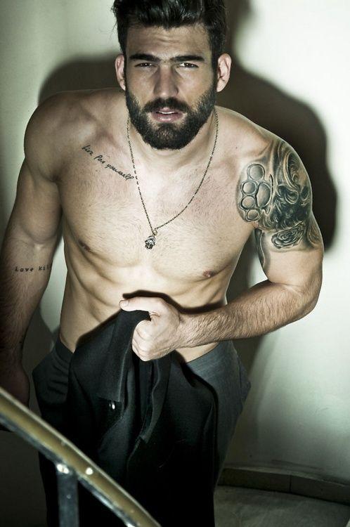 Tattoo schlüsselbein mann