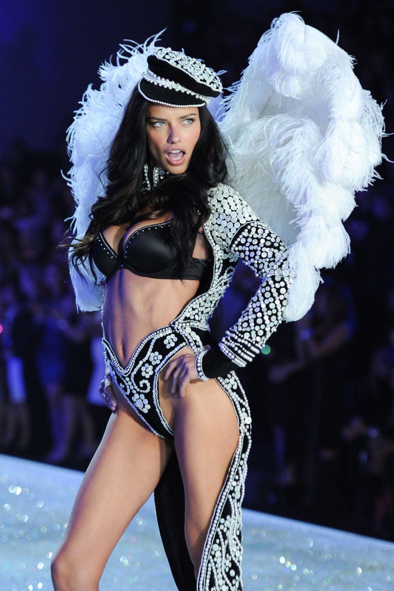 Victoria's Secret Fashion Show 2013 Pictures - Outfits (Vogue.com UK)