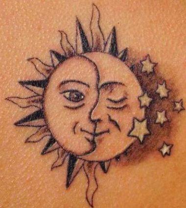 Tatuaggio Luna Sole E Stelle Con Immagini Tatuaggi Sole