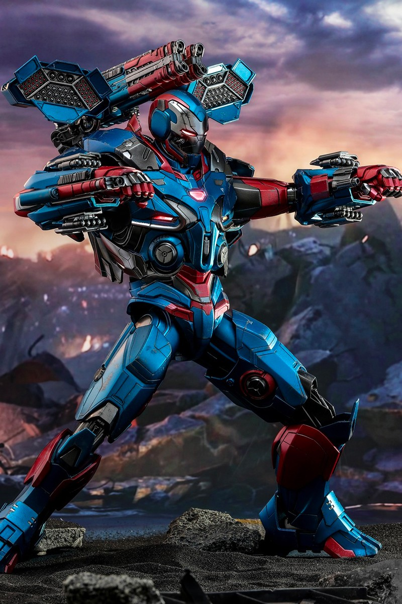 Hot Toys Debuts Avengers Endgame One Man Army Iron Patriot Iron Man Avengers Marvel Superhero Posters Iron Man Armor