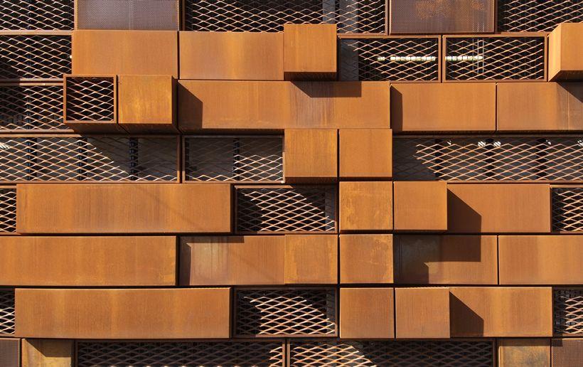 Modern cor-ten steel facade, wall cladding, Corten Steel Rainscreen Cladding / Expanded Mesh Screen