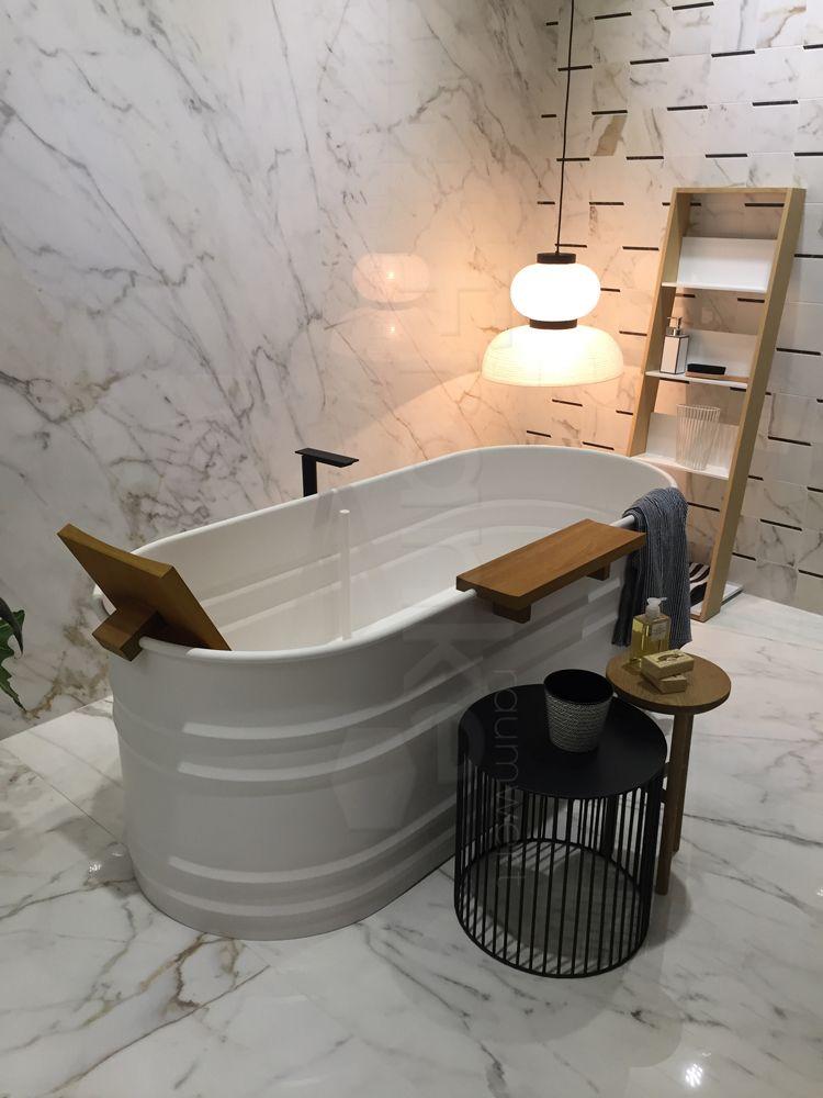 Badezimmer In Marmoroptik Klassisch Elegant Badezimmer Gästebad - Unterschied zwischen kacheln und fliesen