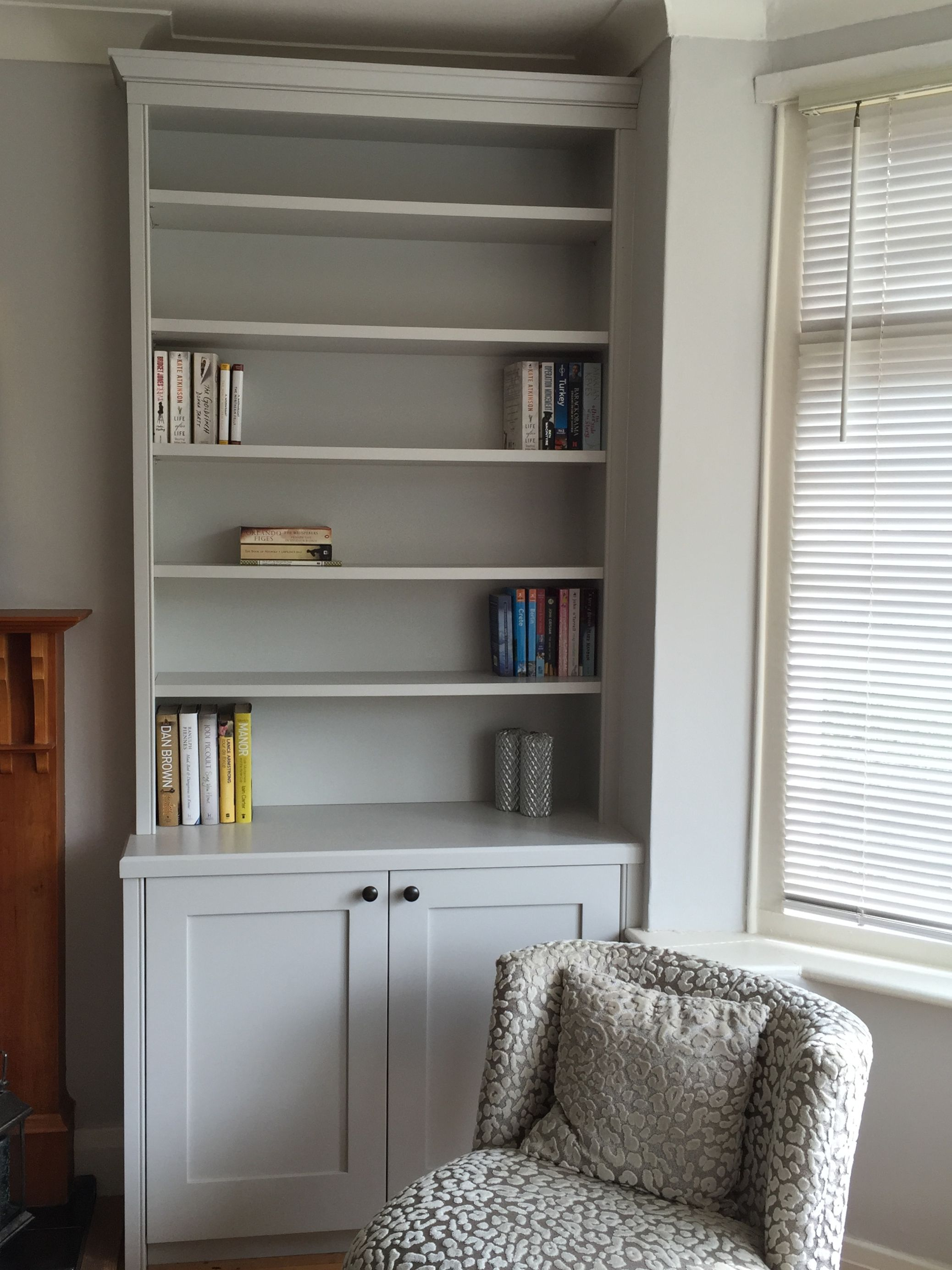Bespoke alcove wall unit, with traditional cornice, adjustable ...