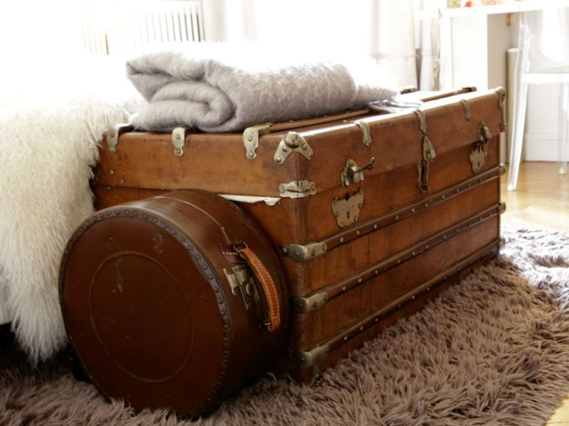 une d co 100 r cup 39 et brocante valise ancienne bout de lit et valises. Black Bedroom Furniture Sets. Home Design Ideas