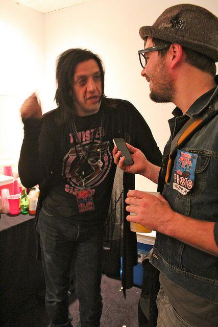 Haunting Memories Twiggy Ramirez Brightestyoungthings Dc Twiggy Marilyn Manson Playing Guitar
