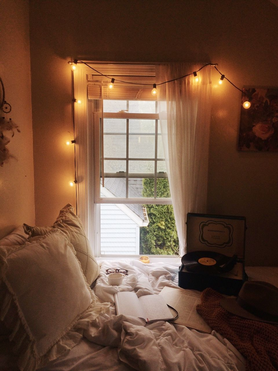Introverted Bookworm Joli Coeur Rainy Days In This Spot Aesthetic Bedroom Cosy Room Rooms Home Decor
