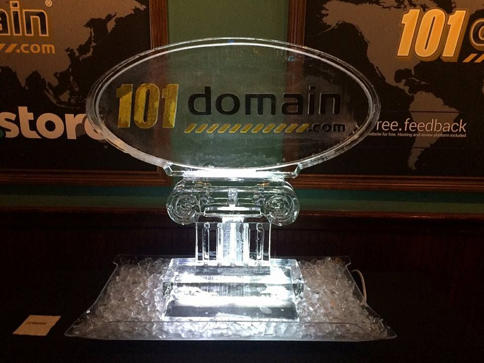 Two color fill ice sculpture for a corporate event. #icesculptures
