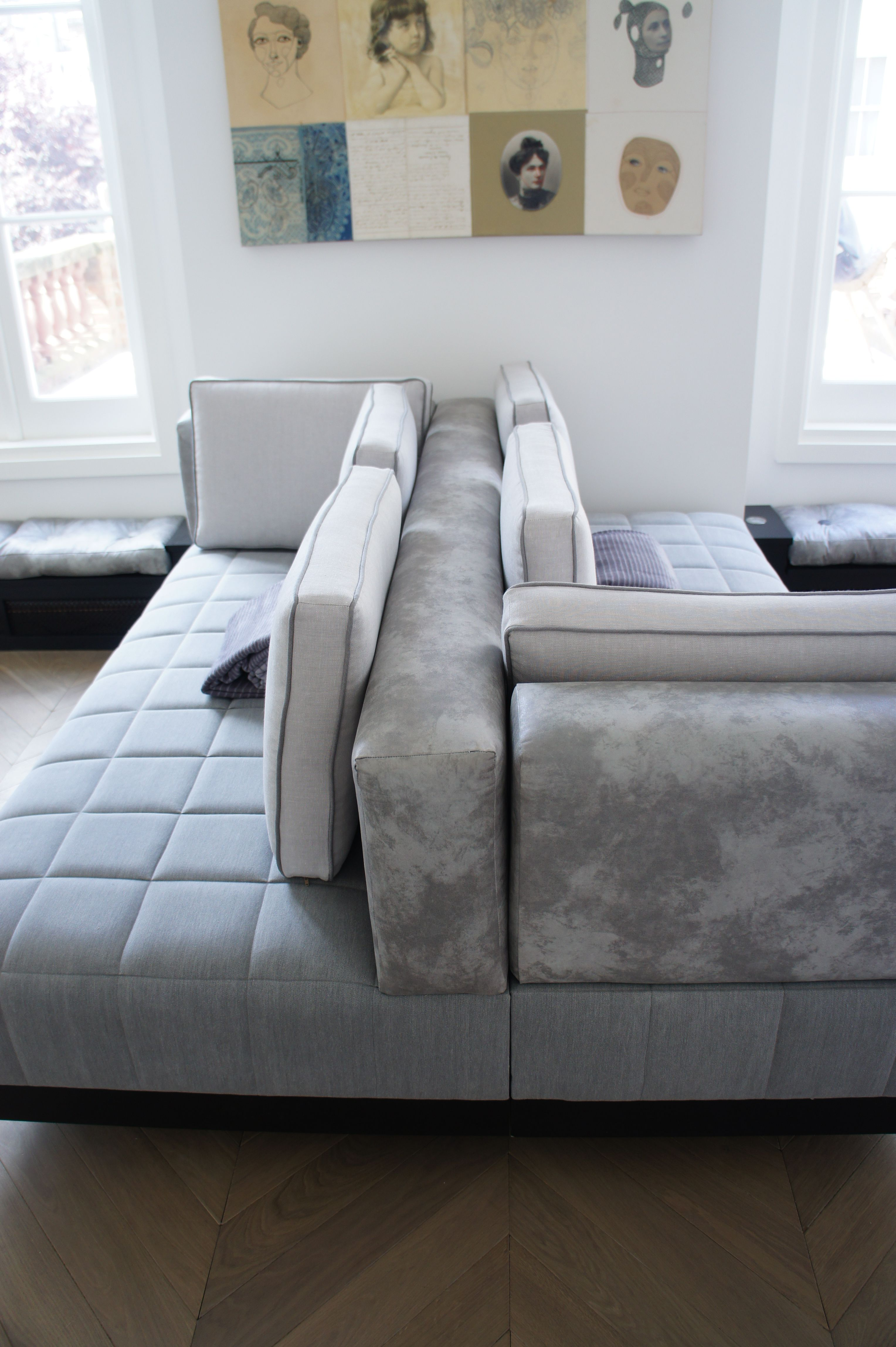 amazing double sided sofa design for inspiring interior decor: Amazing Living Room Decor Using Double Sided Sofa Ideas