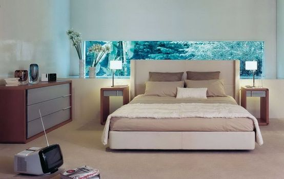 Here Is A Perfect Example Of An Accented Neutral Room The Blue Painting On