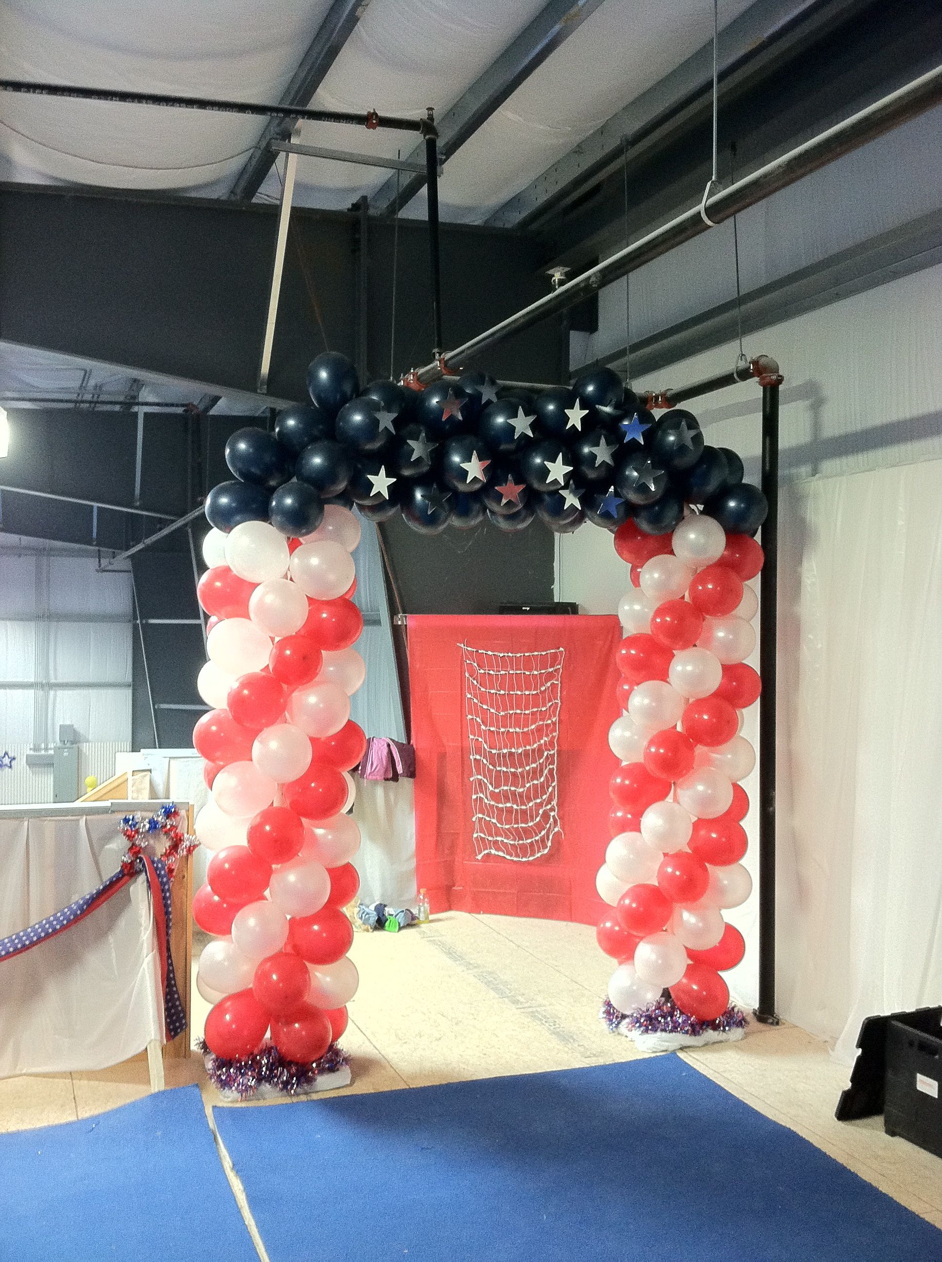 Balloon arch pvc frame cardboard silver stars attached