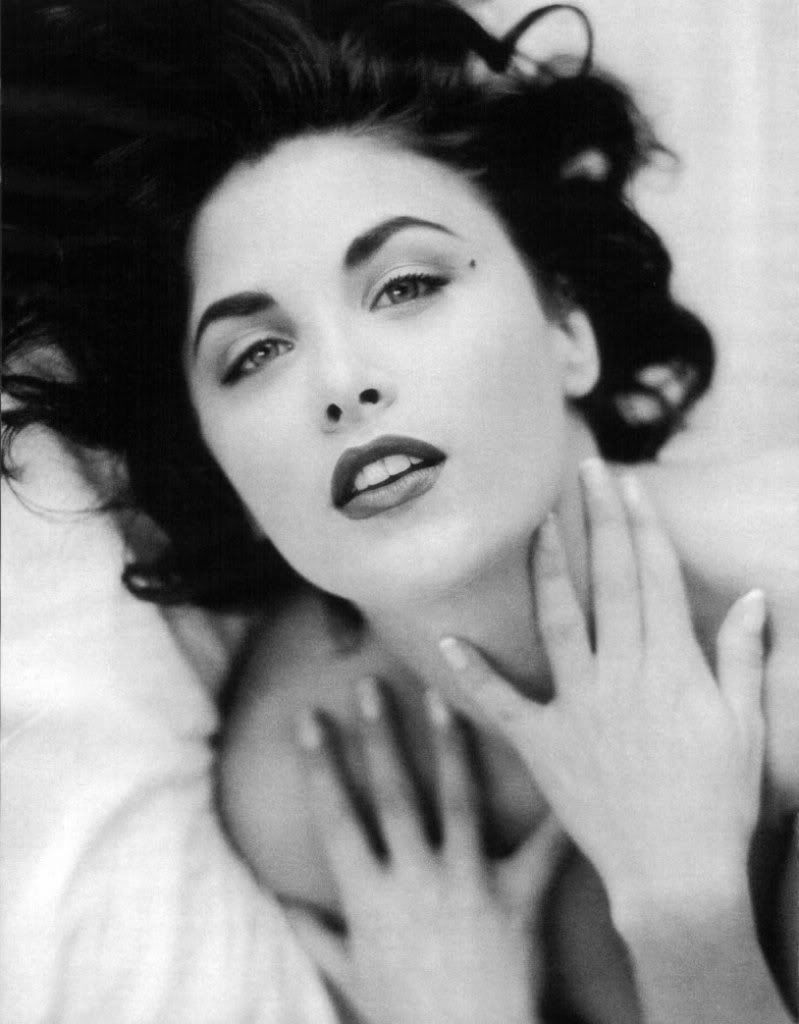 sherilyn fenn as elizabeth taylor