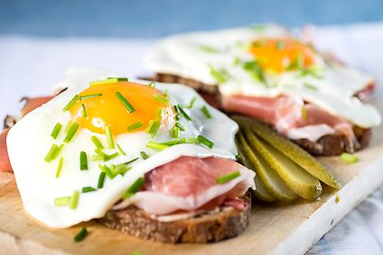Pintxos aux œufs et jambon | Recette, Recettes de cuisine ...
