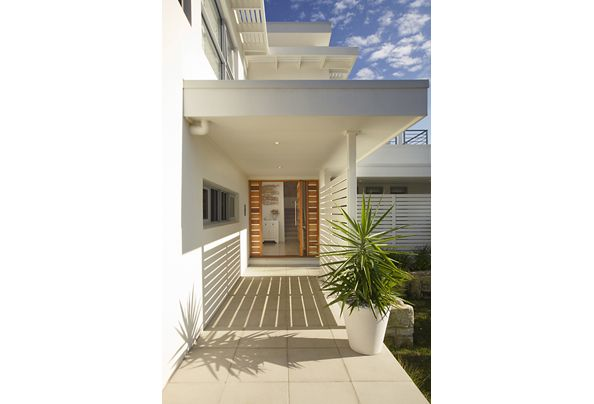 1950s inspired light and bright manly beach house designhunter architecture design - Beach House Design 1950s