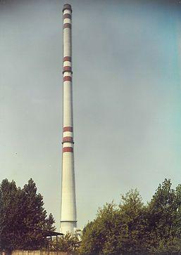 Závody SPN, hlinikáreň Žiar nad Hronom. Rozsah diela: Výstavba výmuroviek pecí pre spracovanie hliníka.