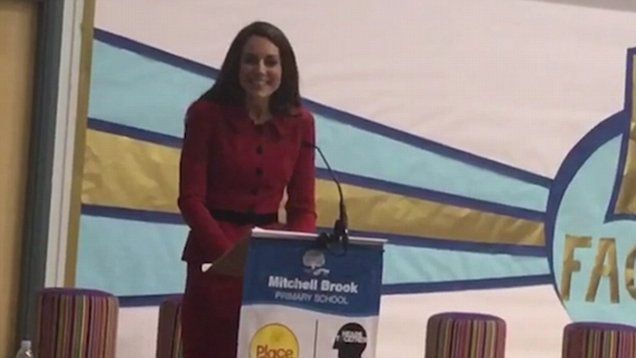 VIDEO-Kate took to the stage to address Assembly at the north London primary on her visit.