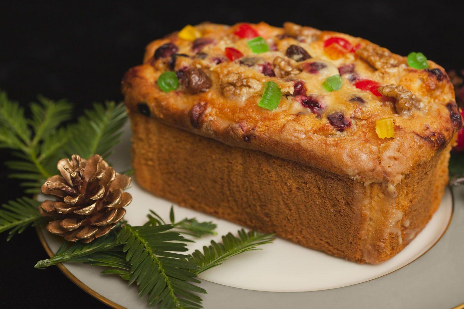 7 Reasons You Should Never Eat Fruitcake