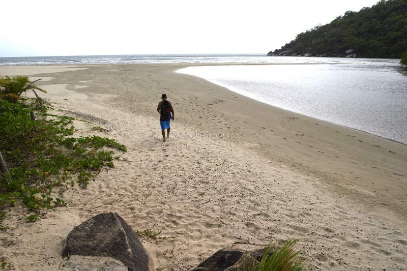 Cooktown Australia - Man walking by the beach  #australia #queensland #cooktown #discover #adventure #travel #traveltherenext #beach #island