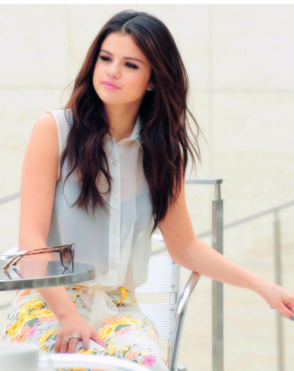 Selena gomez beautiful clothes!