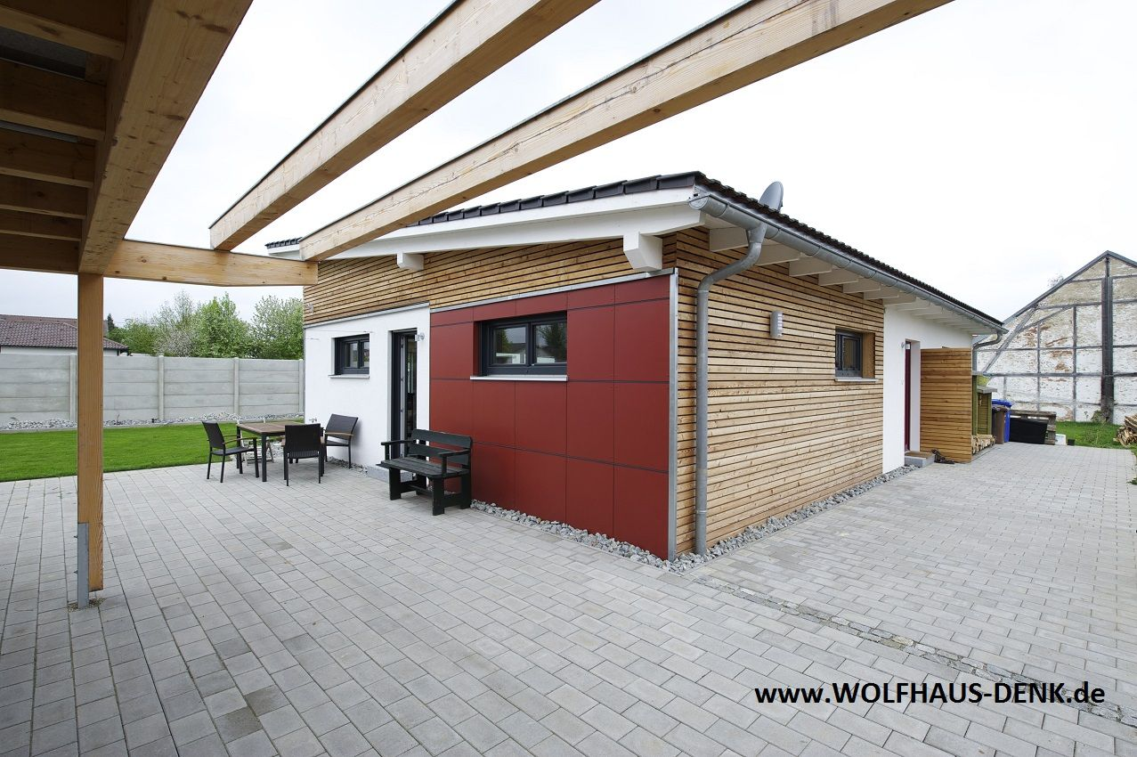 pultdach mit carport pultdach haus von wolfhaus denk pinterest. Black Bedroom Furniture Sets. Home Design Ideas
