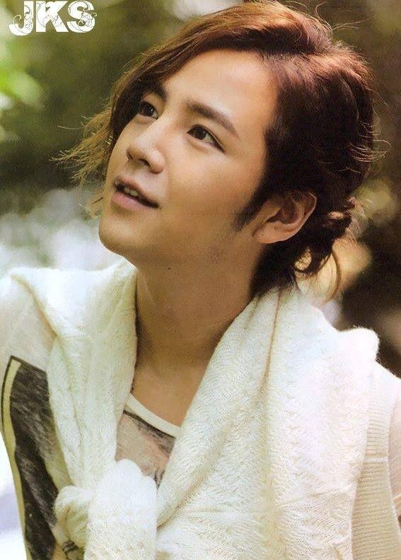 Jang Keun-suk(Hangul:장근석;hanja:張根碩; born August 4, 1987) is aSouth Koreanactor,Modelandsinger