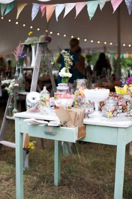 Ideas for candy bar at wedding reception candy bar weddings ideas for candy bar at wedding reception candy bar weddings style and decor solutioingenieria Image collections