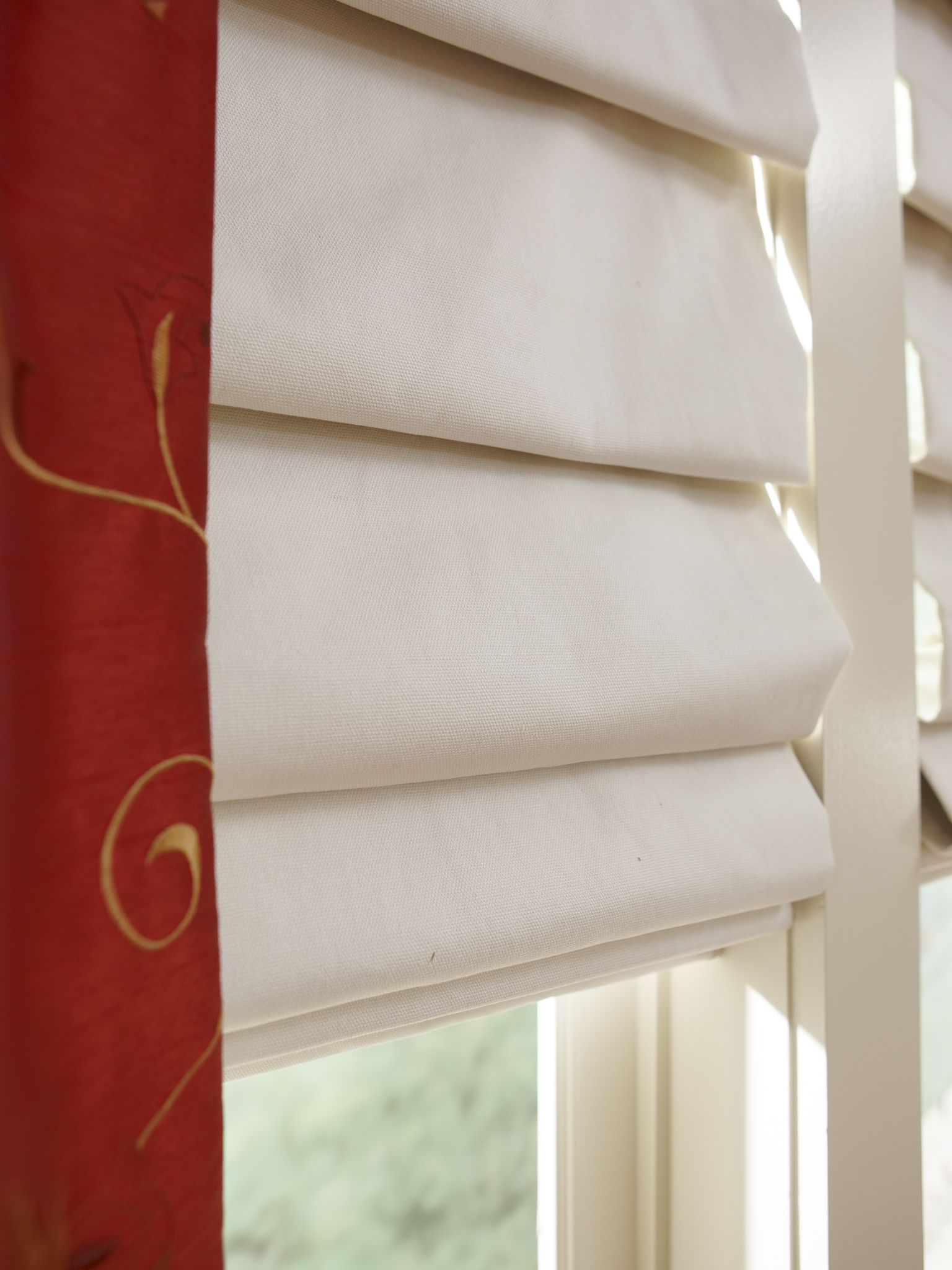 The Elegant Folds Of A Hobbled Roman Shade From Horizonshades Com