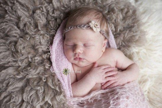 Newborn fotografie baby meisje fotografie marjolijn de graaf