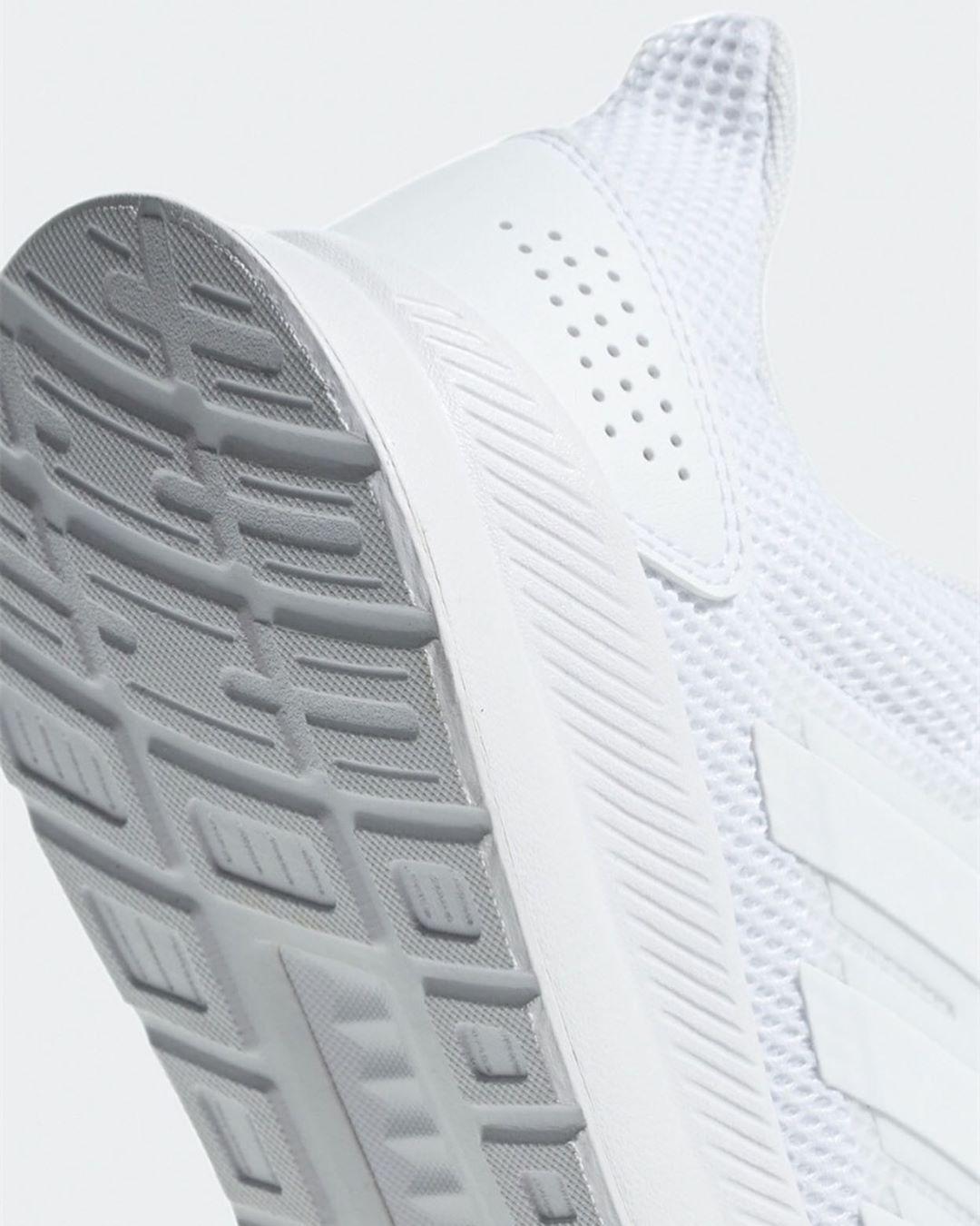 Adidas Kadin Kosu Ayakkabisi 359 00 Yerine 251 00 Urun Kodu 5002527860 100 Urune Boyner In Sitesi Uzerinden Erisebilirsi In 2020 Adidas Sneakers Sneakers Adidas
