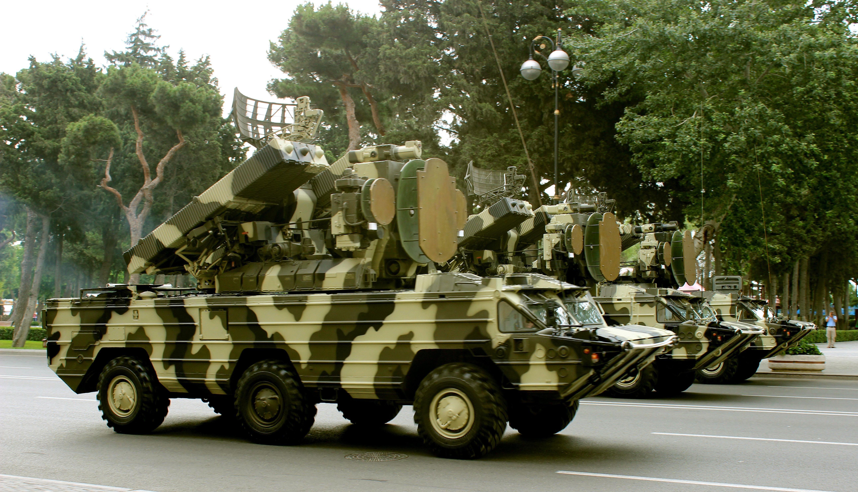 "Upgraded Azerbaijani 9K33 Osa-1T (SA-8 ""Gecko"") in a military parade in Baku; 2013 [5170 x 2966]"