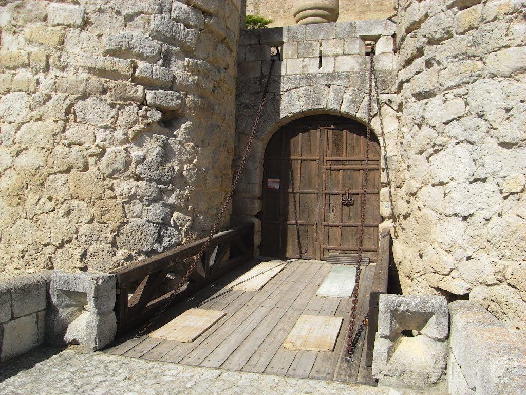 Puente levadizo del castillo de Ampudia 1488 Palencia Castilla