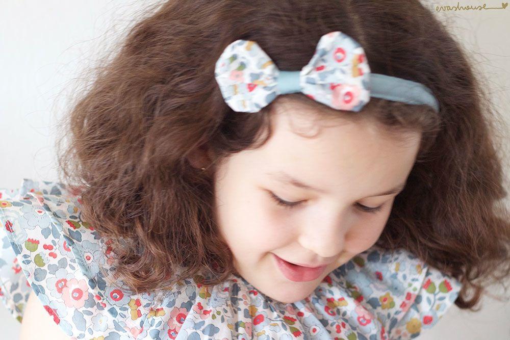 Headband Liberty bow from Eva's House with beautiful Smokks dress #smokks#evashouse#liberty#betsy#headband