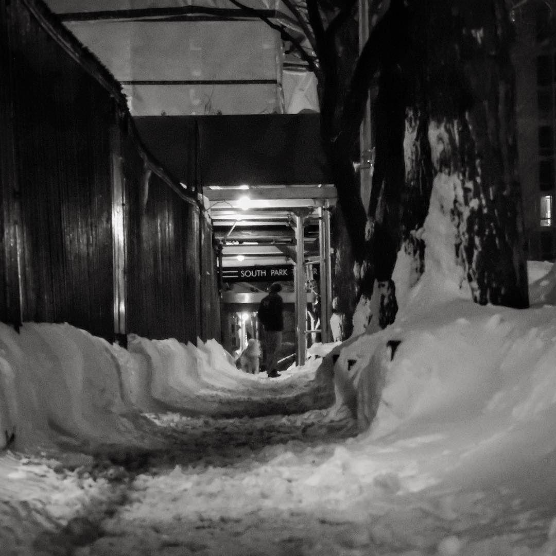 Slippy... #ny #nyc #newyork #newyorkcity #empirestate #snow #snowy #nycsnow #jonas #winter #nycwinter #narcity_newyork #positiv_newyork #icapture_nyc #blizzard2016 #blizzardjonas #picoftheday #photooftheday #ctnewyork #gotitnyc #newyork_world #what_i_saw_in_nyc #nyc_gram #nycdotgram #nycprimeshot #instagramnyc #newyorkigers #instanyc #ig_nycity #igersofnyc by donvito_kurtz