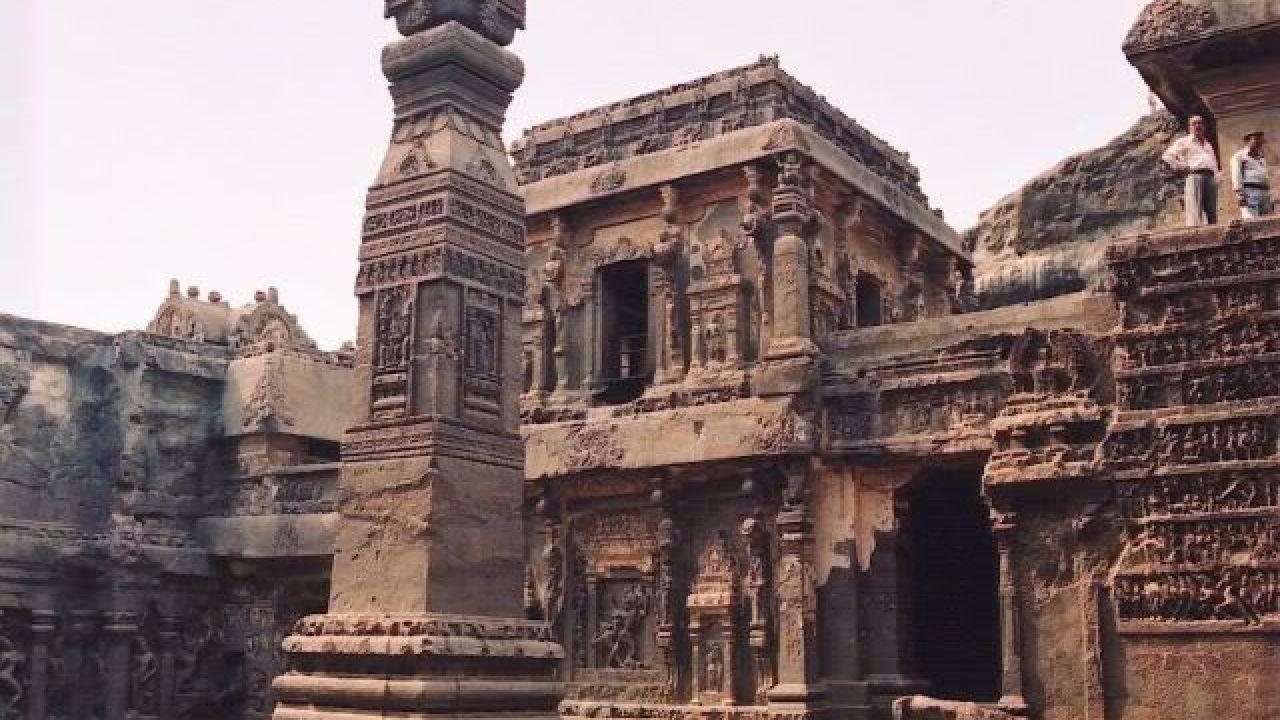 أين تقع مدينة إرم ذات العماد City Iram Of The Pillars Landmarks