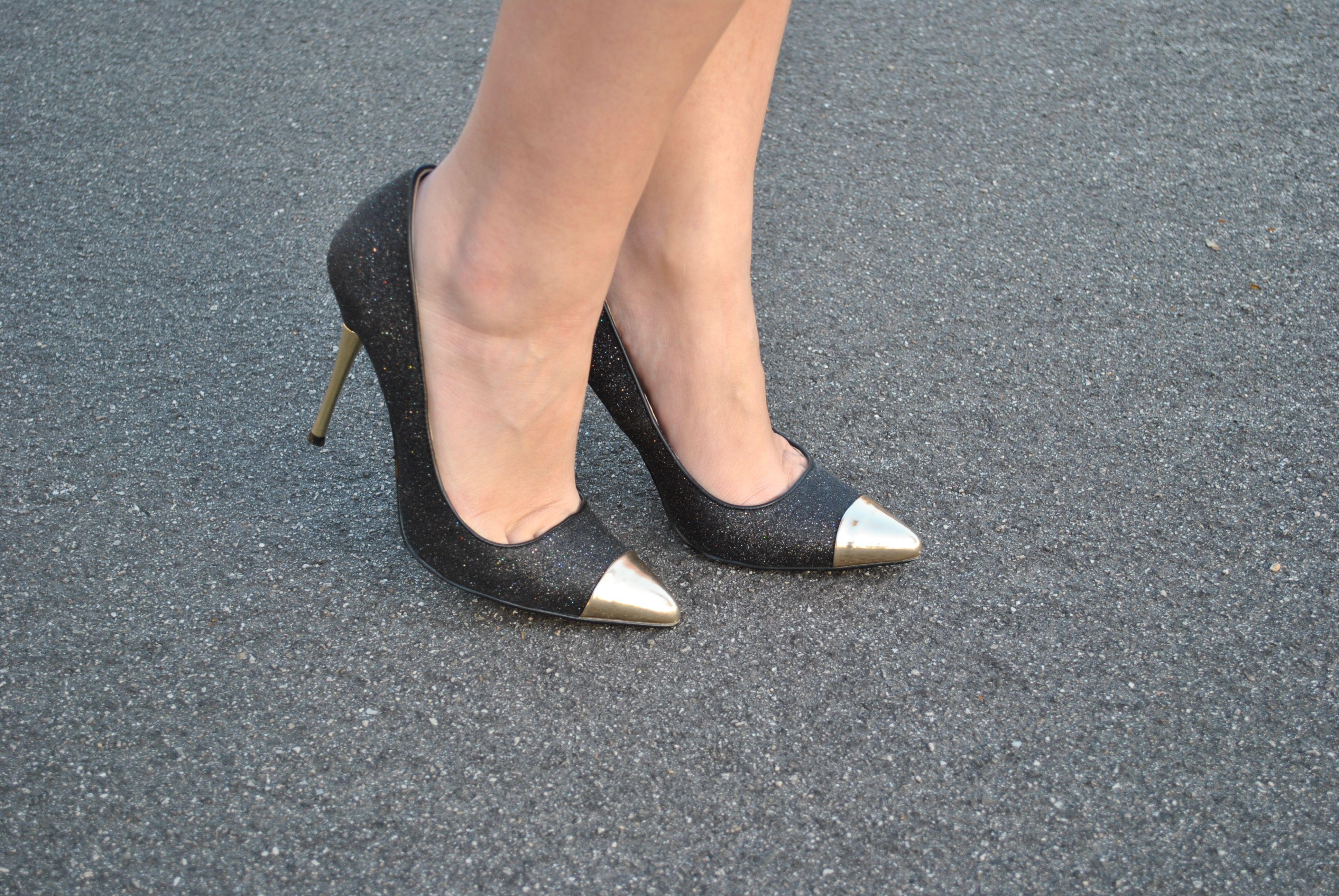 1741b683830 Gold Cap Toe Heels